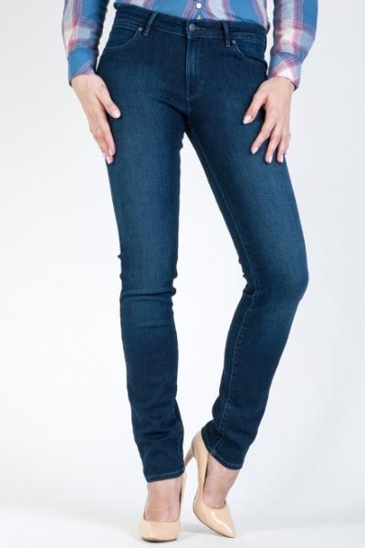 Узкие джинсы со средней посадкой Wrangler W28LX786N