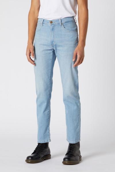 Облегченные джинсы голубого цвета Wrangler